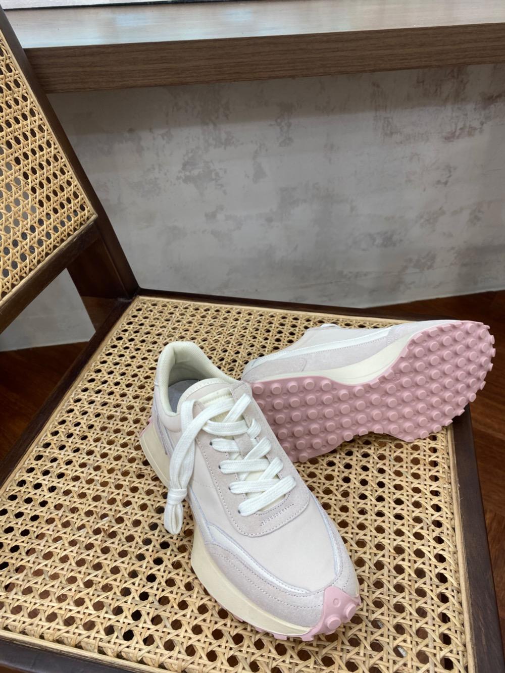 신발 모델 착용 이미지-S1L5