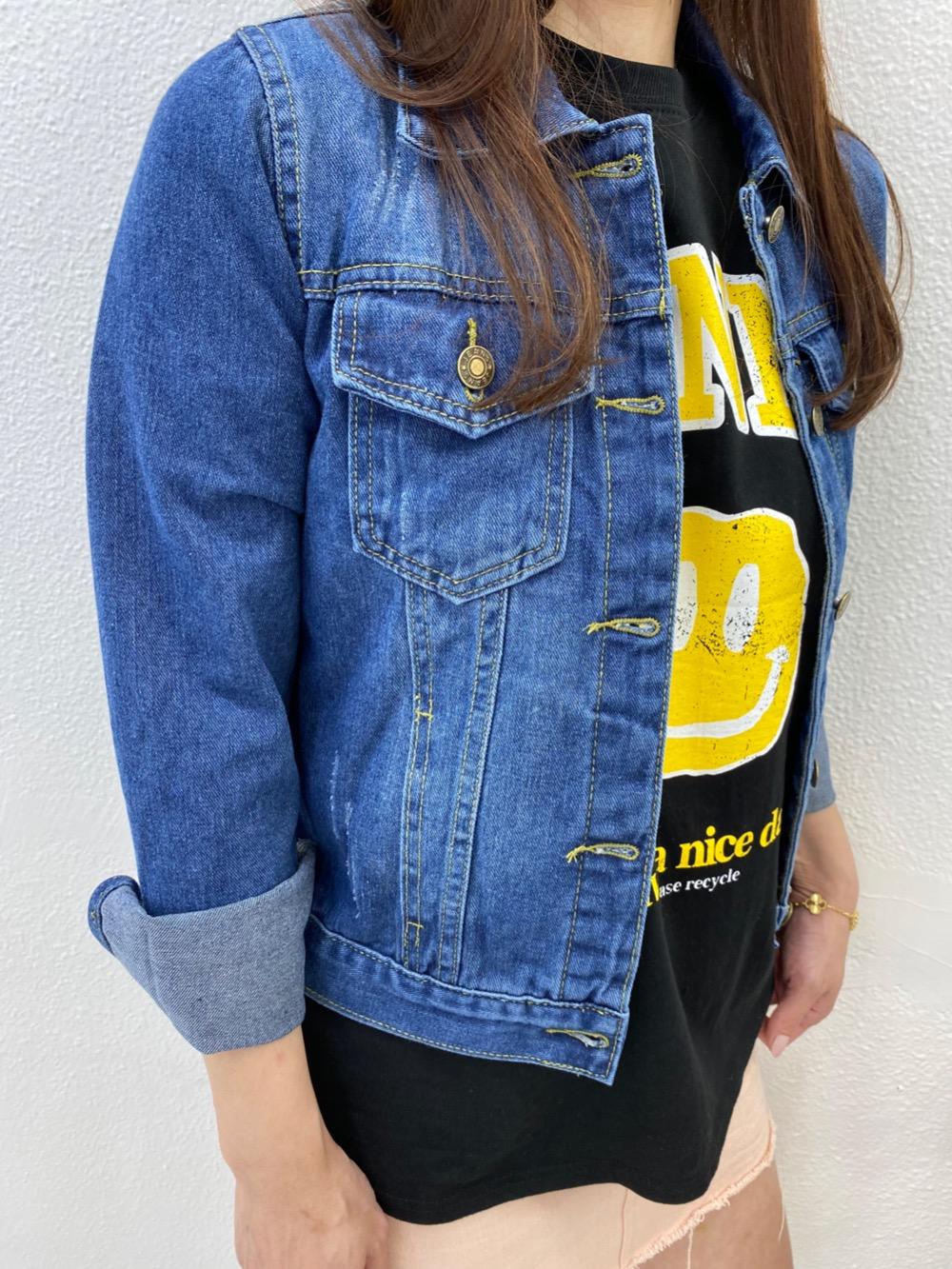 긴팔 티셔츠 모델 착용 이미지-S1L3